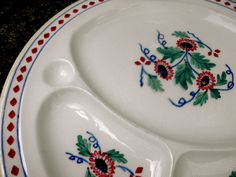 """ANTIQUE CRESCENT & SONS ENGLAND IVORY 'THE NETTLES' THREE SECTIONS 10 3/4"""" PLATE #CRESCENTSONS"""