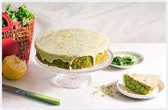 עוגת פטרוזילה   בצק אלים טריק: מחליפים חלק קטן מהקמח בעוגות בקורנפלור וזה נותן מרקם רך ונימוח יותר לעוגה