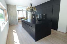 Black kitchen, Designer kitchen, Manuela Bross Interior Designer woont - love your home