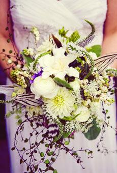 Brides: Nicole & Aaron in Sycamore, IL : Wedding Flowers Gallery