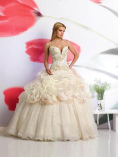 beautiful dresses | Beautiful wedding dresses for Girls in Spring 2013 | Wedding Dresses ...
