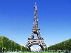 Paris é um sonho...Cidade romântica e perfeita para uma segunda lua de mel. A Torre Eifel é um dos lugares que quero muito conhecer!