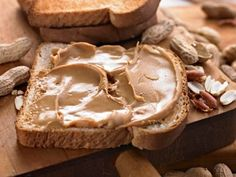 Making homemade peanut butter is easy, as long as you have a good blender or food processor.