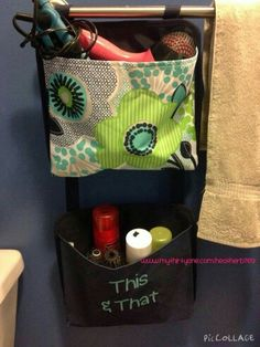 Love the oh snap pockets to store my bathroom needs.  Easy access to all my items.  Found at www.mythirtyone.com/suzzannenellis