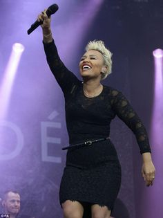 @Emeli Sandé killed IoW yesterday obvs - from Daily Mail: Leading the glamour: Emeli Sande showed off her slim waist in a sexy black lace minidress as she took to the stage at the Isle Of Wight Festival on Friday night