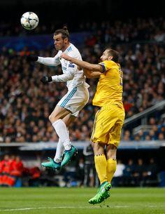 Gareth Bale #realmadrid #juventus Soccer Players, Football Soccer, Real Madrid Official, Bale 11, Visit Wales, Real Madrid Players, Gareth Bale, Champions League, Night Life