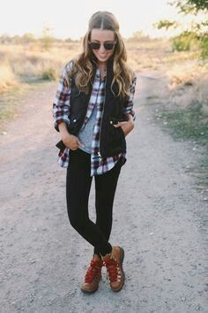 Mountain boots outfit #hikingoutfitspring