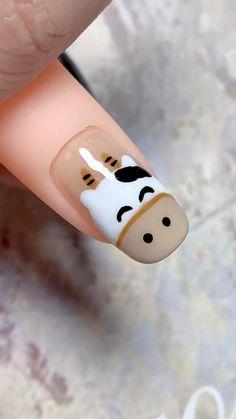 Nail Art Hacks, Nail Art Diy, Nail Art Designs Images, Animal Nail Designs, Nail Art For Kids, Nail Drawing, Cow Nails, Popular Nail Art, Nagellack Design