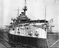 USS-Connecticut in dry dock at Brooklyn Navy Yard. Naval History, Military History, Connecticut, Us Battleships, The Spanish American War, Capital Ship, Man Of War, Armada, United States Navy