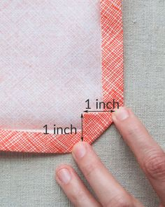 Sewing Mitered Corners Sewing Tutorials Sewing Hacks Sewing Crafts Sewing Lessons Sewing Projects Sewing Patterns Sewing Tips Quilt Binding Quilting Tips, Quilting Tutorials, Machine Quilting, Sewing Tutorials, Beginner Quilting, Sewing Mitered Corners, Quilt Corners, Sewing Lessons, Sewing Hacks