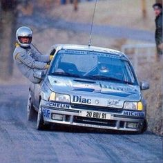 Un copilote sur qui on peut compter Photo by dani_dei_gas 3008 Peugeot, Peugeot 205, Clio Maxi, Rally Raid, Classic Sports Cars, Karting, Dream Garage, Courses, Touring