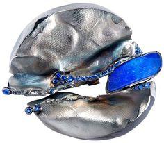 Thierry Vendome Live: Brooch-pendant white gold, sapphires, opal from Australia.