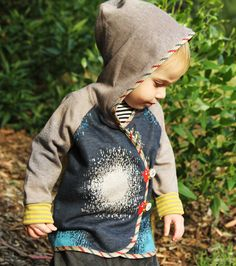 The contrast trim and kimono esqe cuteness Star blast fireworks hoodie from Oishi-m Little Girl Fashion, Baby Boy Fashion, Kids Fashion, Baby Boys, Toddler Girl, Kids Outfits, Cool Outfits, Spawn, Baby Kids Clothes