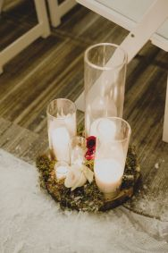 Cedarbrook Lodge wedding in Seattle | Wintery, romantic decor down ceremony aisle for New Year's Eve wedding | Perfectly Posh Events | Carly Bish Photography | Butter & Bloom