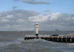 Het Oosterstaketsel met zicht op Zeebrugge.