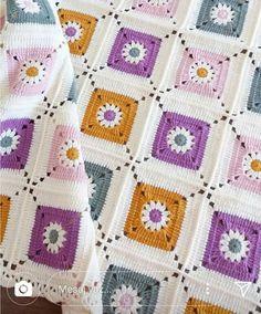 Transcendent Crochet a Solid Granny Square Ideas. Inconceivable Crochet a Solid Granny Square Ideas. Crochet Bedspread Pattern, Granny Square Crochet Pattern, Afghan Crochet Patterns, Crochet Squares, Baby Blanket Crochet, Crochet Motif, Crochet Yarn, Granny Squares, Crochet Granny