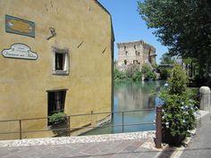 Borgetto sul Mincio Lake Garda, Verona, Mansions, House Styles, Resort, Bella, Camper, Lakes, Countries