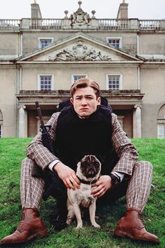 I didn't choose the pug life ~ Eggsy & JB from Kingsman Watch Kingsman, Eggsy Kingsman, Taron Egerton Kingsman, Kingsman Cast, Kingsman Harry, Movies Showing, Movies And Tv Shows, Actresses, Jean Jackets