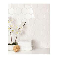 Hexagon Tile Backsplash, Hexagon Tiles, Ceramic Wall Tiles, Kitchen Backsplash, Barn Kitchen, Kitchen Ideas, Modern Bathroom Design, Bathroom Designs, Kitchen Design