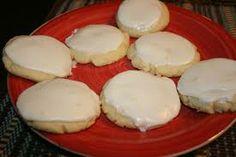 Maggiano's Restaurant Copycat Recipes: Lemon Cookies http://maggianosathome.blogspot.com/2012/12/lemon-cookies.html