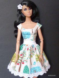 Barbie and Poppy Parker doll dress. por Kosucas en Etsy