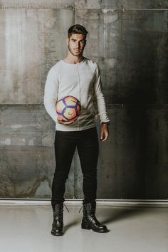 marco asensio Real Madrid Team, Real Madrid Players, Ronaldo Football, Football Fans, Odel Beckham, Equipe Real Madrid, Isco Alarcon, Soccer Pictures, Sports Stars
