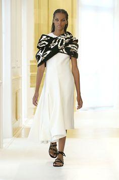 Silhouette_37 / Sfilata Haute Couture Autunno-Inverno 2016-17 / HAUTE COUTURE / Donna / Sito web ufficiale DIOR