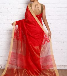 Ramkrishna Basak is an ethnic brand offering fascinating and exquisite range of Bengal handloom cotton and silk sarees Ghagra Saree, Dhakai Jamdani Saree, Khadi Saree, Silk Sarees, Saris, Chiffon Saree, Pakistani Outfits, Indian Outfits, Love Clothing