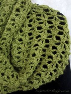 I finished my infinity scarf!     But it's still at least a couple of months before I will be able to wear it as autumn arrives late to...
