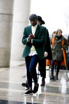 Chic 50+ Fantastic Paris Street Style For Man That Can Look More Handsome https://www.tukuoke.com/50-fantastic-paris-street-style-for-man-that-can-look-more-handsome-6772