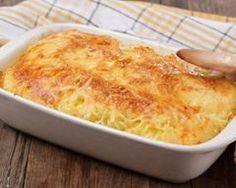 Gratin d'endives au poulet : http://www.cuisineaz.com/recettes/gratin-d-endives-au-poulet-33494.aspx