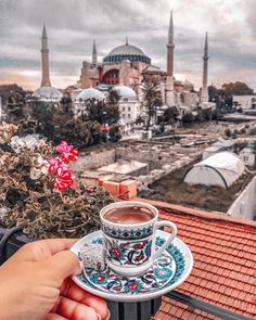 A cup,of turkish coffee, please! Abu Dhabi, Places To Travel, Places To Go, Turkey Destinations, Istanbul Travel, Visit Istanbul, Istanbul City, Landscape Wallpaper, Turkey Travel