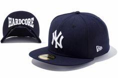 A sede local da New Era no Japão lançou uma coleção de bonés que une dois ícones da cidade de Nova Iorque: o time NY Yankees e o NY Hardcore (NYHC), sub-divisão do gênero hardcore punk que se...