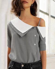 oblique placket blouses dresses casual blouse blusas print shoes grid Grid Print Oblique Placket Casual Blouse Grid Print Oblique Placket Casual BlouseYou can find Blouses and more on our website Blouse Styles, Blouse Designs, Trend Fashion, Fashion Design, Unique Fashion, Punk Fashion, Lolita Fashion, Fashion Ideas, Fashion Tips