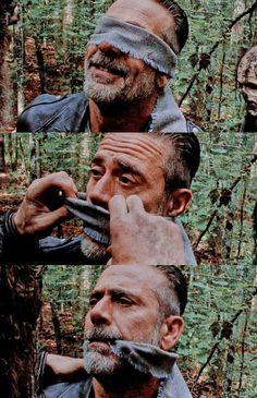 Walking Dead Zombies, The Walking Dead 3, Walking Dead Season, Walker Twd, Twd Comics, Walking Dead Wallpaper, Negan Lucille, The Last Unicorn, Vampire Bat