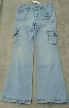 This is a great pair of Girls, Arizona Jean Co., Low Rise, Stretch, Sz 12 Jeans. They are 55% Ramie, 32% Cotton, 12% Polyester, and 1% Spandex. Buy it now at Billymac's Jeans Emporium for $14.95!