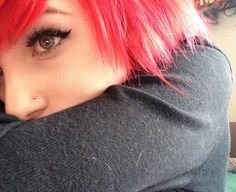 Alex) I got da nose piercing *giggles* Scene Girls, Emo Scene, Beautiful Inside And Out, Beautiful People, Alex Dorame, Shannon Taylor, Bryan Stars, Emo Girls, Hair Color