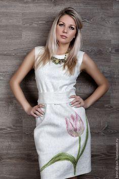 Купить или заказать Платье 'Аромат весны' в интернет-магазине на Ярмарке Мастеров. Летнее, воздушное и невесомое платье. Выполнено в технике нуно войлок из шёлка и совсем не много шерсти мериноса.Цветок тюльпана -шерстяная акварель. В комплект входит пояс. Украшение из тюльпанов отдельно, стоит 1000 руб. можно носить как на шеи, так и на поясе. Точное повторение невозможно.Хотите быть в курсе поступления новинок? Нажмите на кнопку -Добавить в круг. И как только я добавлю новую ра…