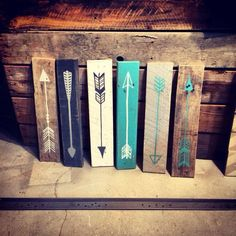 This listing is for one reclaimed wood arrow. Each arrow is hand painted so no two are exactly alike. They are approximately 19 x 4 but will vary projects Pallet Crafts, Pallet Art, Diy Pallet Projects, Wood Crafts, Pallet Walls, Reclaimed Wood Projects, Wood Arrow, Arrow Art, Creation Deco