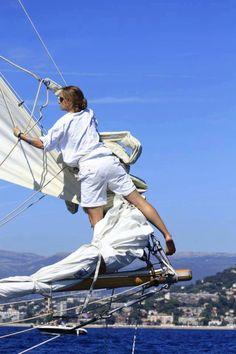 Putting the mainsail away | #sailing #yachts #natical | www.notjustpowder.com