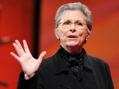 Buddhist roshi Joan Halifax works with people at the last stage of life (in hospice and on death row). She shares what she's learned about compassion in the face of death and dying, and a deep insight into the nature of empathy
