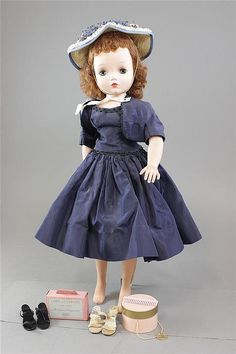 "21"" MADAME ALEXANDER ""CISSY"", IN ORIGINAL TAGGED CLOTHING, COMES WITH HATBOX,..."