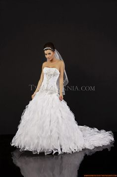 Buy Elegant Strapless Ball Gown Court Train Unique Wedding Dress at cheap price Inexpensive Wedding Dresses, Elegant Wedding Gowns, Luxe Wedding, Wedding Dresses 2014, Prom Dresses, Formal Dresses, Wedding Dress Organza, Bridal Gowns, One Shoulder Wedding Dress