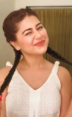 Stylish Girl Images, Stylish Girl Pic, Aditi Bhatia, Kurti Designs Party Wear, Child Actresses, Face Expressions, Alexandra Daddario, Tv Actors, Girls Image