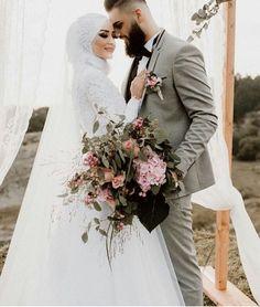 Hijabi Wedding, Wedding Hijab Styles, Muslimah Wedding Dress, Muslim Wedding Dresses, Disney Wedding Dresses, Muslim Brides, White Wedding Dresses, Designer Wedding Dresses, Wedding Bride