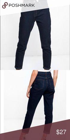 Boyfriend jeans They are indigo denim jeans that are high waisted and boyfriend style. Boohoo Jeans Boyfriend