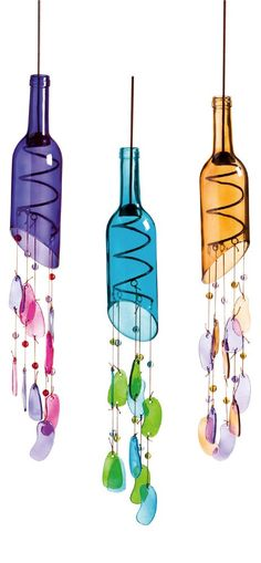 Amazing DIY Wine Bottle Crafts - Crafts and DIY Ideas Diy Fall Crafts diy fall wine bottle crafts Fall Wine Bottles, Wine Bottle Art, Diy Bottle, Wine Bottle Chimes, Wine Bottle Bird Feeders, Cut Bottles, Beer Bottles, Reuse Bottles, Empty Wine Bottles