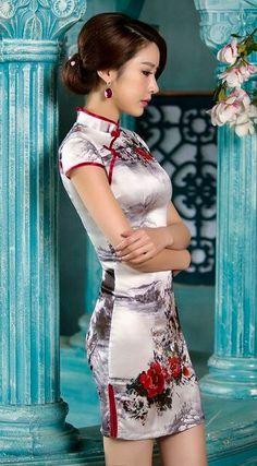 Floral pattern silk qipao