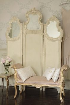 Shabby Chic Furniture In a family room, try to arrange your furniture into centers. French Decor, French Country Decorating, Dressing Screen, Dressing Area, French Style Homes, Bridal Suite, French Furniture, Furniture Design, Pine Furniture
