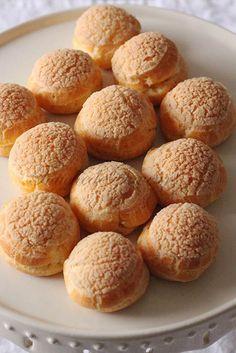 Choux craquelins crème patissière1 Dessert Cups, Breakfast Dessert, French Desserts, Mini Desserts, Tasty Pastry, Mango Dessert Recipes, Desserts With Biscuits, Choux Pastry, Delicious Deserts